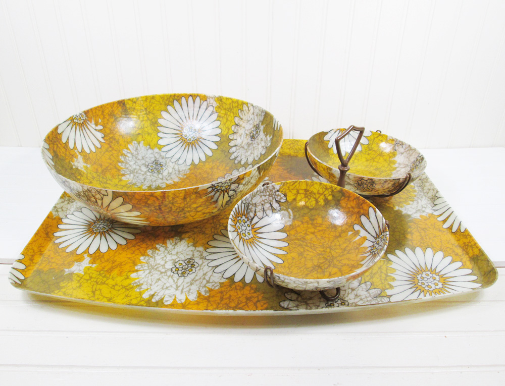 Vintage Floral Fiberglass Serving Bowl Tray Set