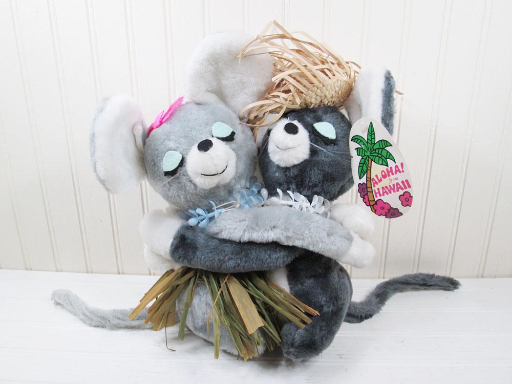 Vintage Dakin Hugging Mice Plush Aloha Hawaii
