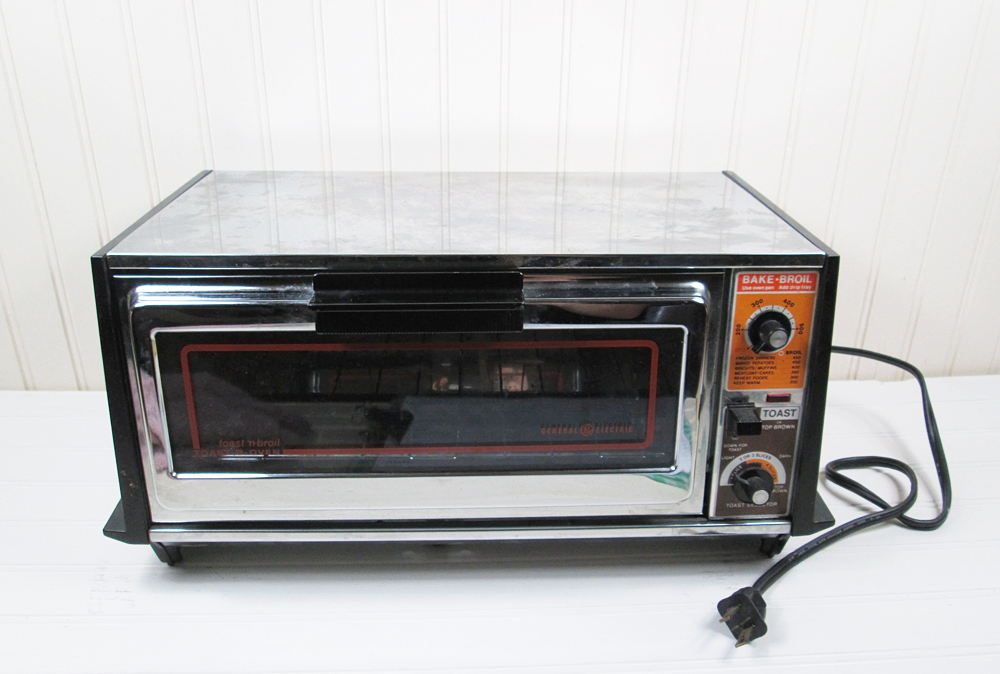 Vintage GE Toaster Oven General Electric Bake Toast 'N Broil