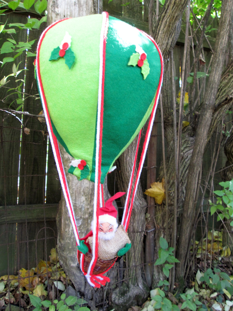 Vintage Annalee Mobilitee Hot Air Balloon Santa Claus Doll Decoration