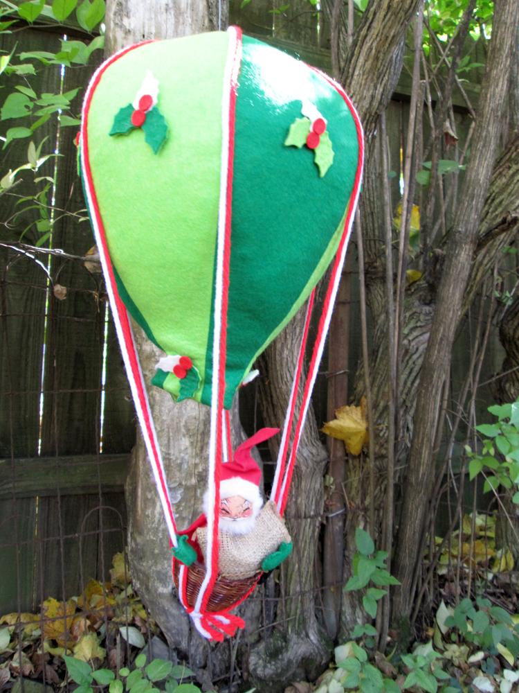 Vintage Annalee Mobilitee Hot Air Balloon Santa Claus Doll Decoration
