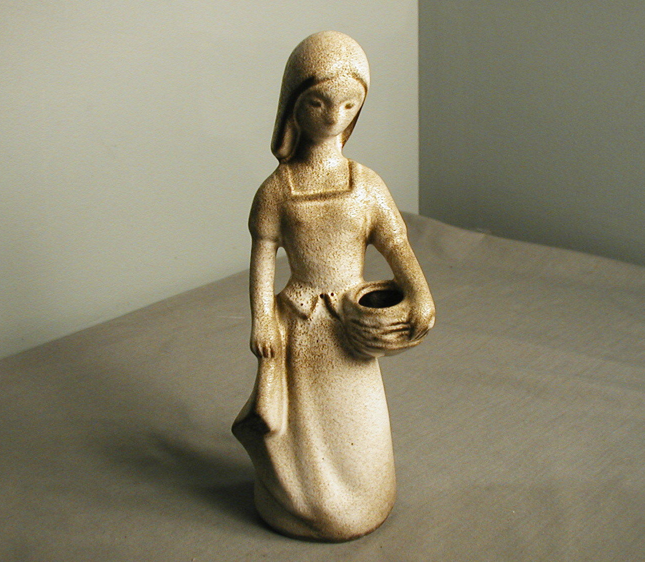 howard pierce girl with basket figurine