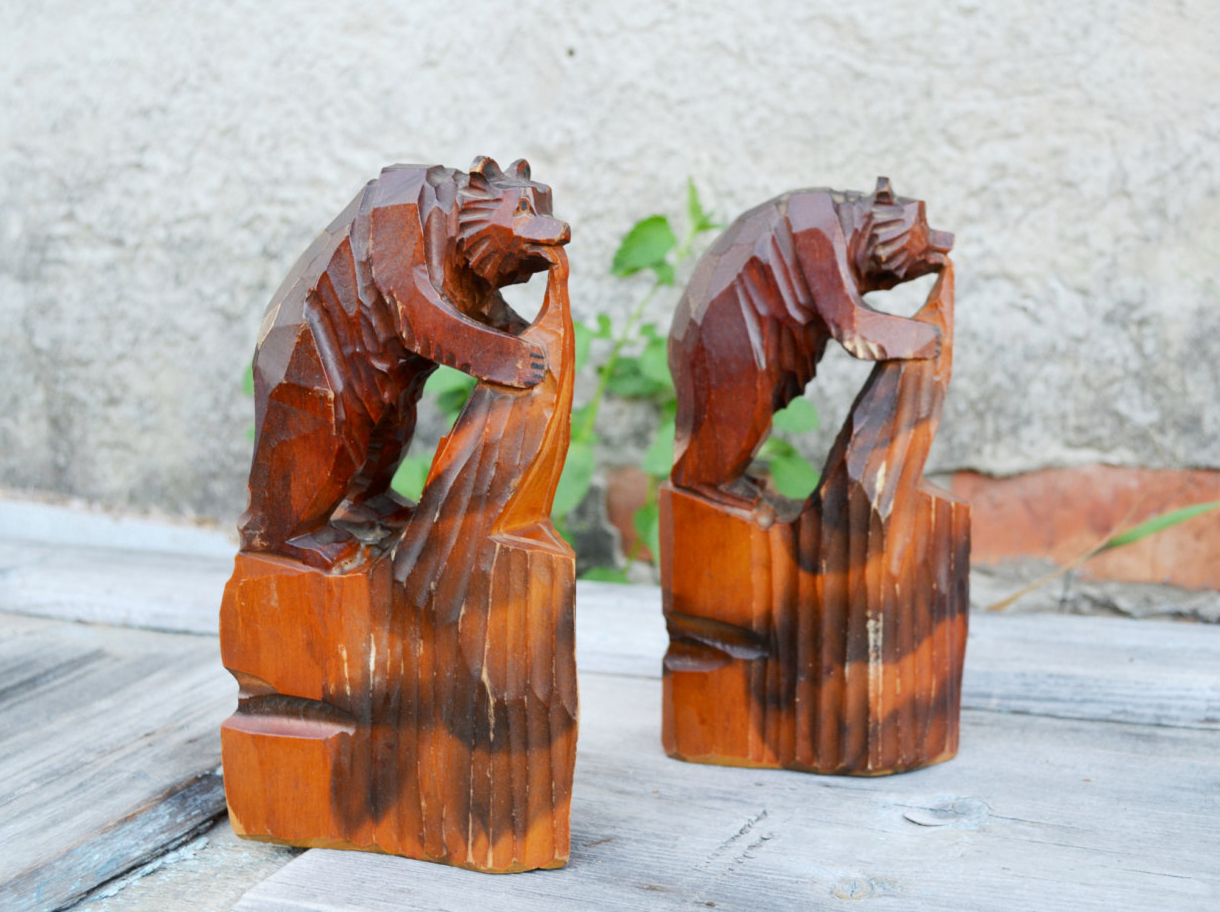 carved wood bear figurines