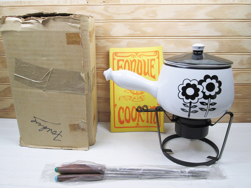Vintage Black & White Ceramic Flowers Fondue Pot